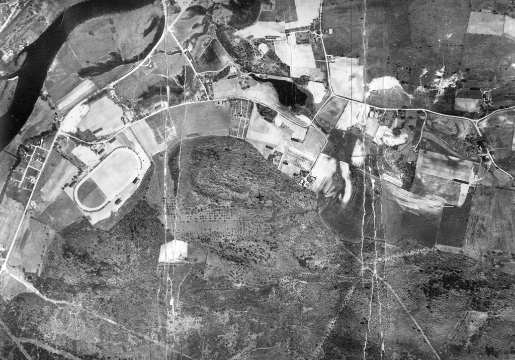 1936 photo of Fort Hill Farm from the air